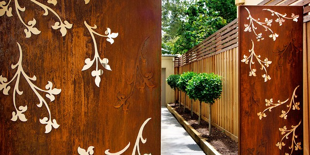 METAL DECORATIVE SCREENS AND PANELS